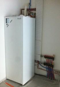 Module hydraulique en cours d'installation :